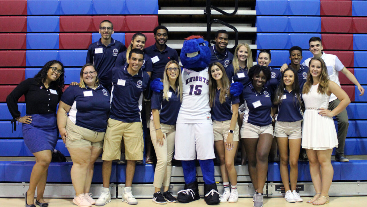 So many smiling faces at move-in day!