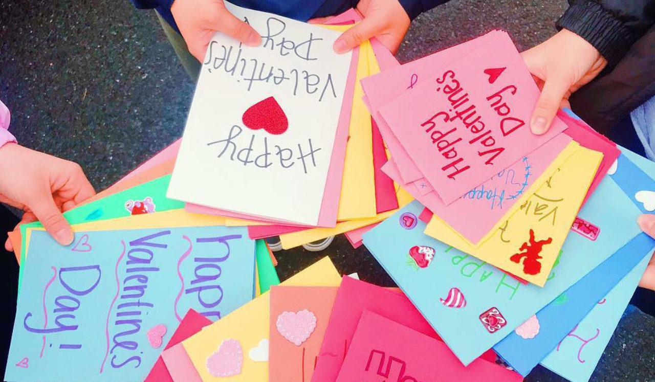 Alpha Sigma Tau Sorority (Metro) sends Valentine's Day cards to veterans.