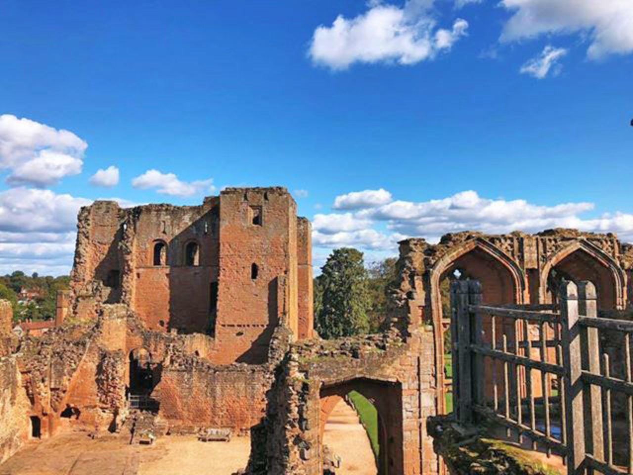 The glorious ruins of Kenilworth Castle.