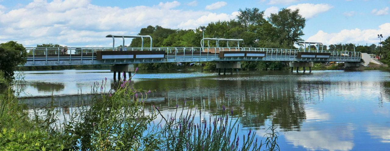 Metropolitan Campus footbridge